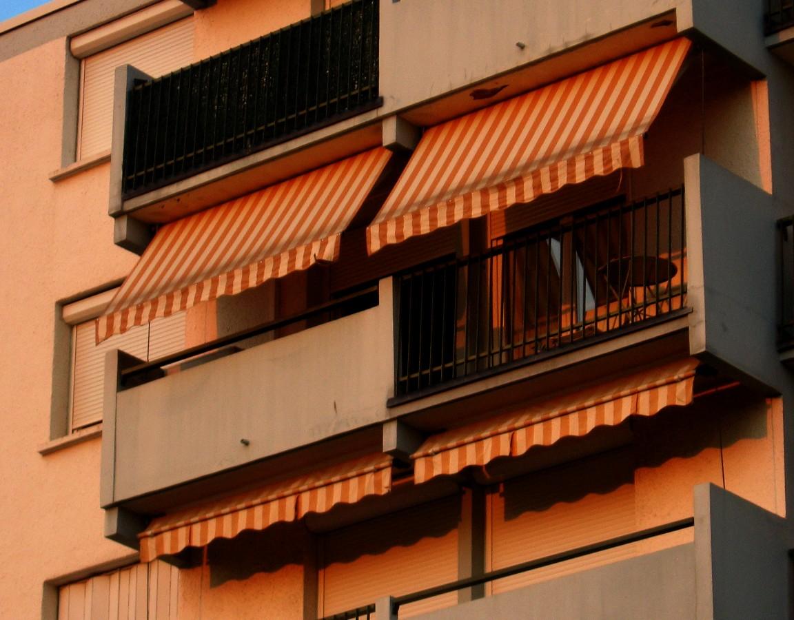 http://la.buvette.org/photos/Montpellier/balcon_du_soir.jpg