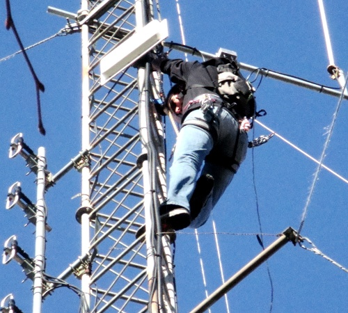 http://la.buvette.org/photos/ttnn/radio-occitania-1.jpg